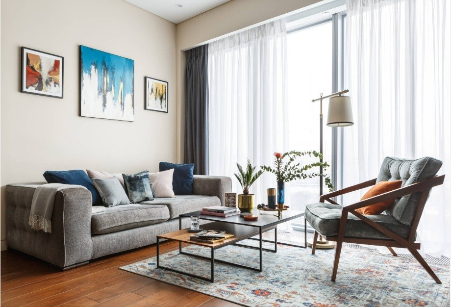 Best Modern Living Room Design Trends 2020. Casual and cozy finished room with steel framed coffee table