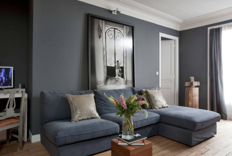 Gray palette for the living room decoration