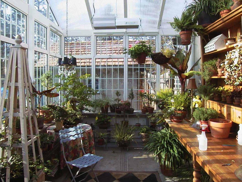 Amazing-Conservatory-Greenhouse-Ideas-06-1-Kindesign
