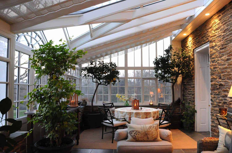 Amazing-Conservatory-Greenhouse-Ideas-08-1-Kindesign