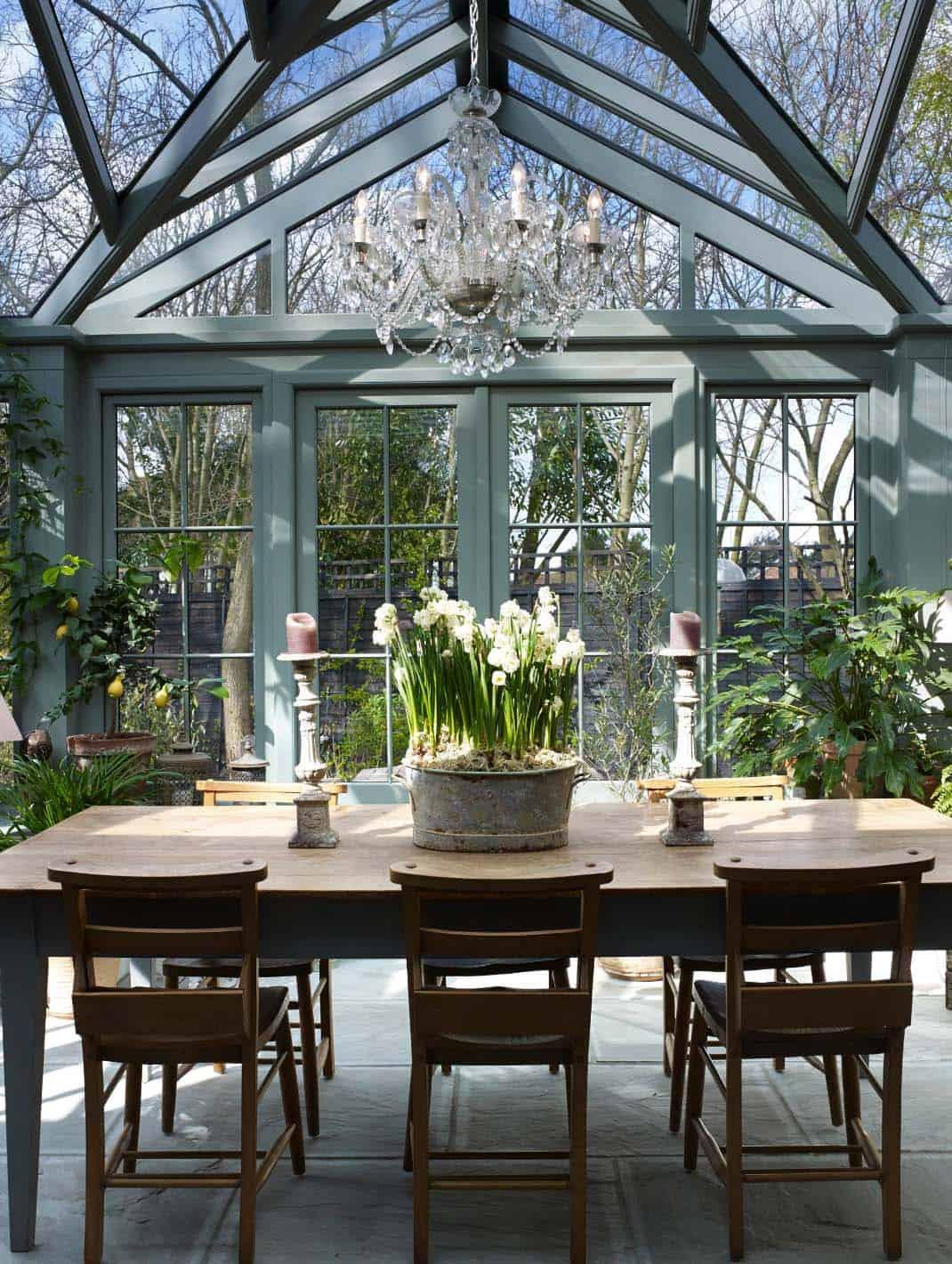 Amazing-Conservatory-Greenhouse-Ideas-09-1-Kindesign