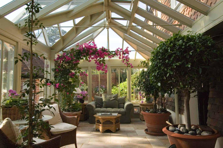 Amazing-Conservatory-Greenhouse-Ideas-10-1-Kindesign