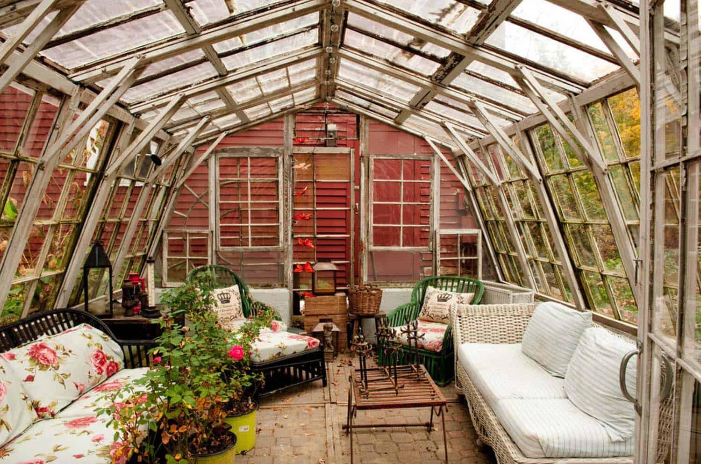 Amazing-Conservatory-Greenhouse-Ideas-14-1-Kindesign