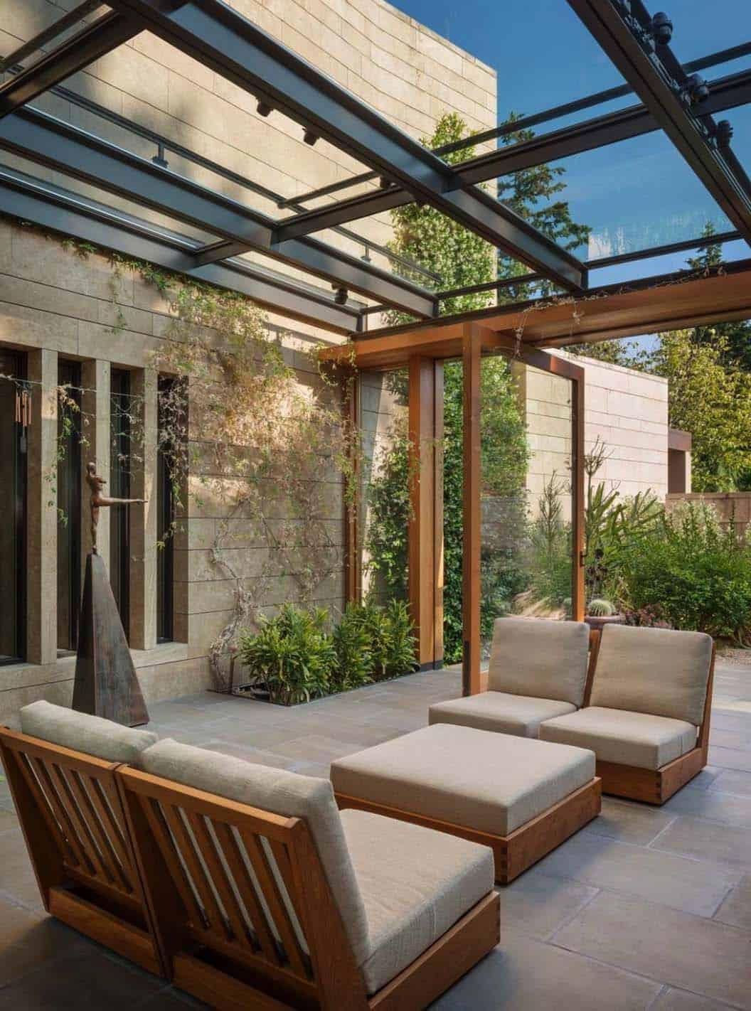 Amazing-Conservatory-Greenhouse-Ideas-20-1-Kindesign
