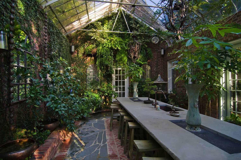 Amazing-Conservatory-Greenhouse-Ideas-26-1-Kindesign