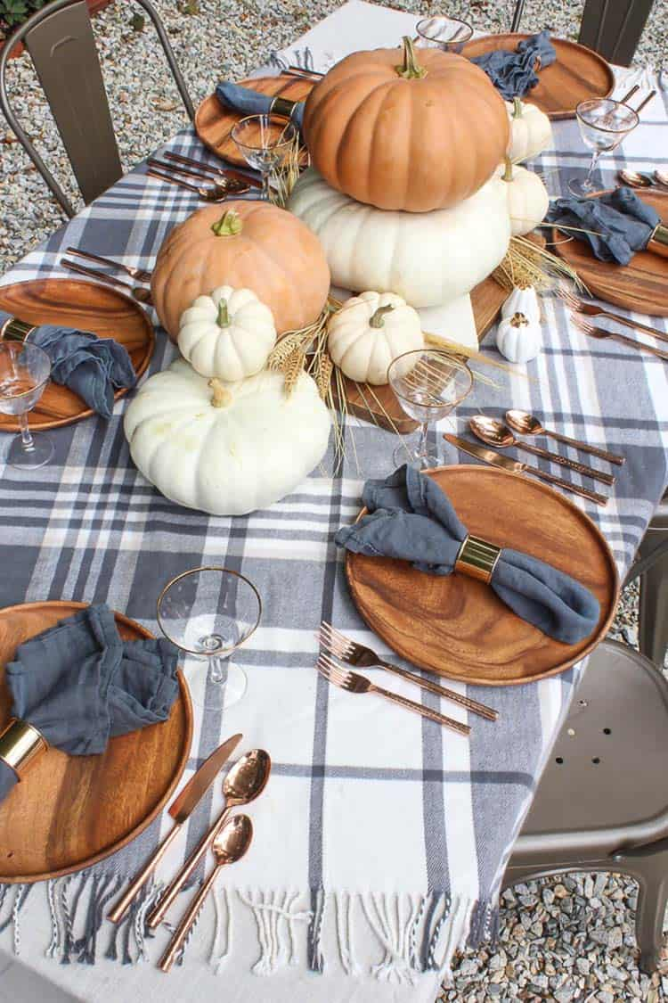 Amazing-Fall-Table-Decor-Ideas-For-Decorating-022-1-Kindesign