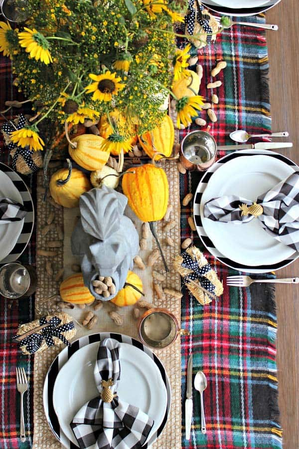 Amazing-Fall-Table-Decor-Ideas-For-Decorating-03-1-Kindesign