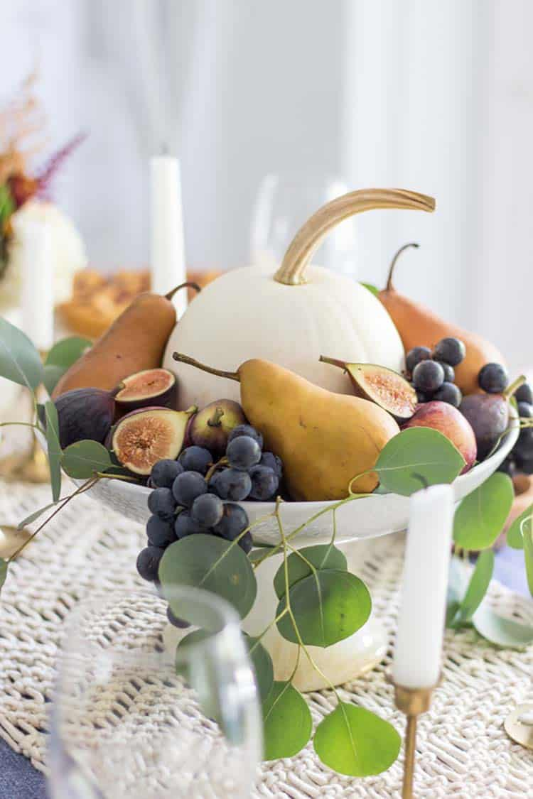 Amazing-Fall-Table-Decor-Ideas-For-Decorating-05-1-Kindesign