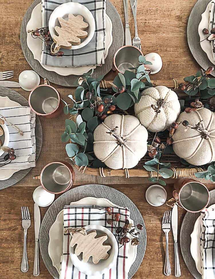 Amazing-Fall-Table-Decor-Ideas-For-Decorating-09-1-Kindesign