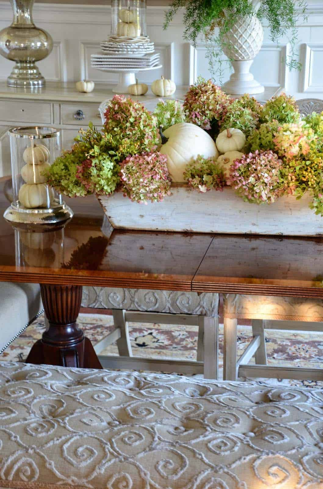 Amazing-Fall-Table-Decor-Ideas-For-Decorating-15-1-Kindesign