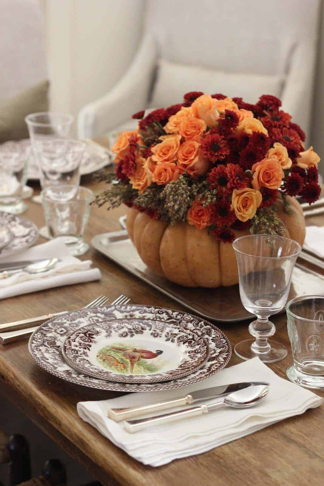 Amazing-Fall-Table-Decor-Ideas-For-Decorating-16-1-Kindesign