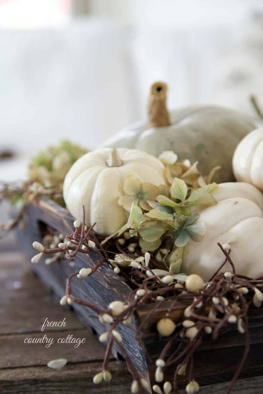 Amazing-Fall-Table-Decor-Ideas-For-Decorating-17-1-Kindesign