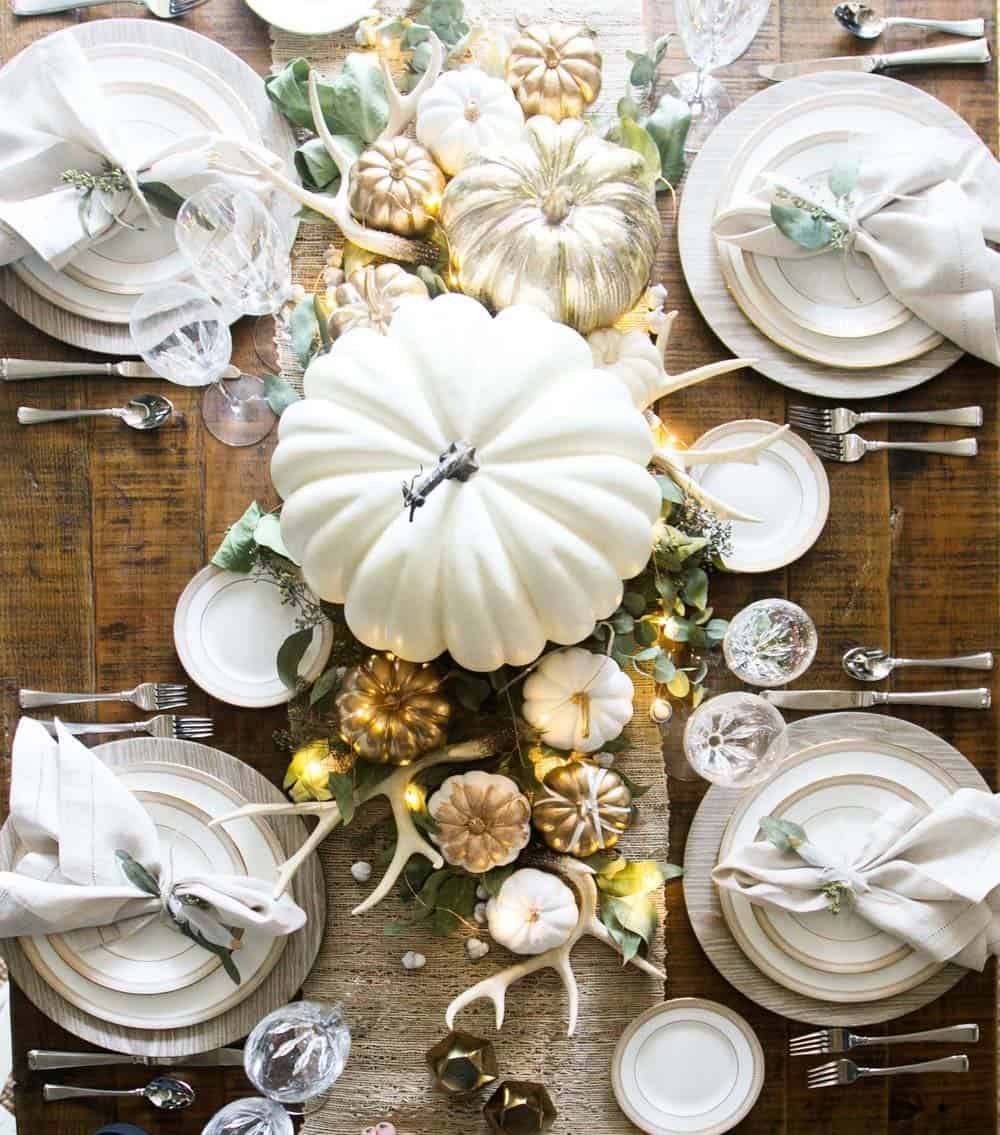 Amazing-Fall-Table-Decor-Ideas-For-Decorating-20-1-Kindesign