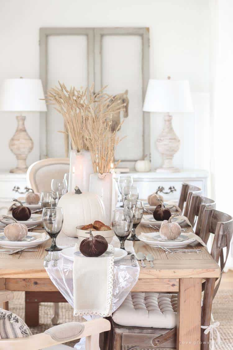 Amazing-Fall-Table-Decor-Ideas-For-Decorating-23-1-Kindesign