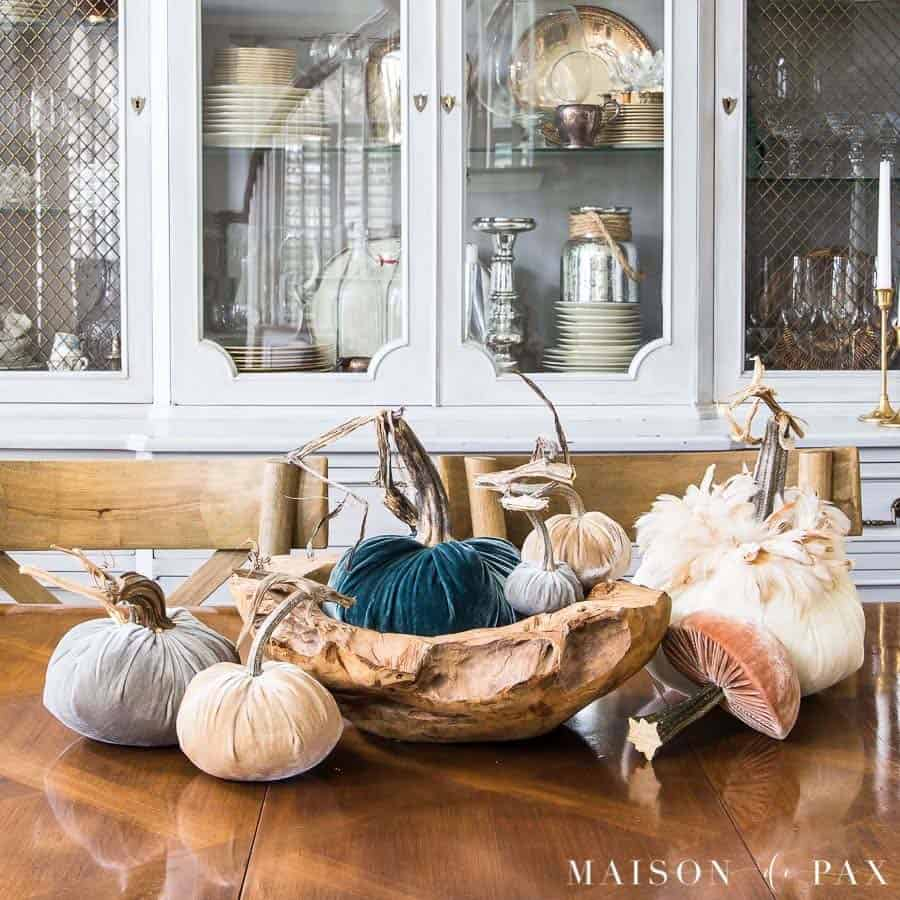 Amazing-Fall-Table-Decor-Ideas-For-Entertaining-28-1-Kindesign