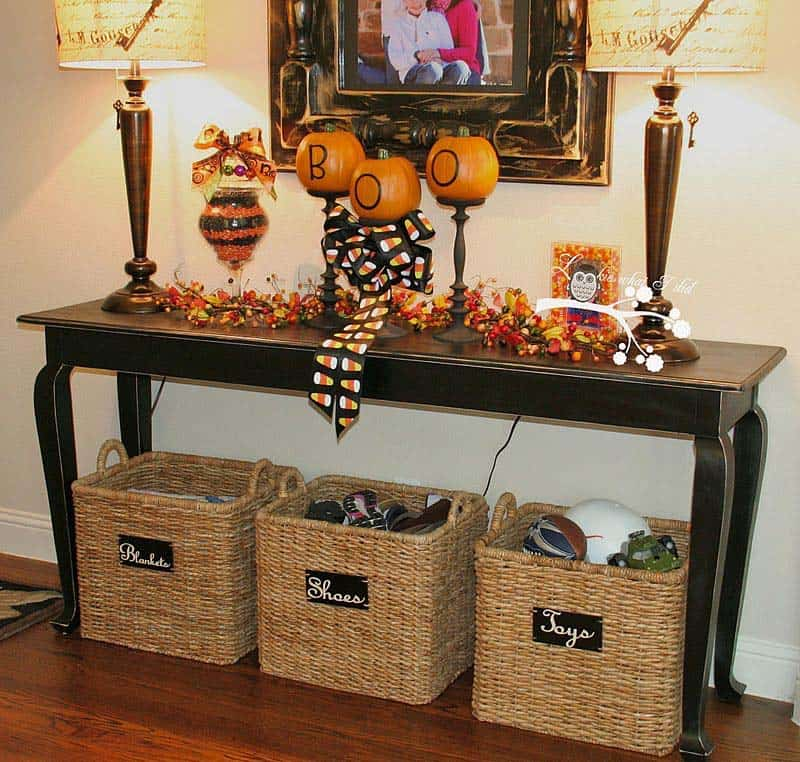 Console-Table-Fall-Decor-Ideas-02-1-Kindesign
