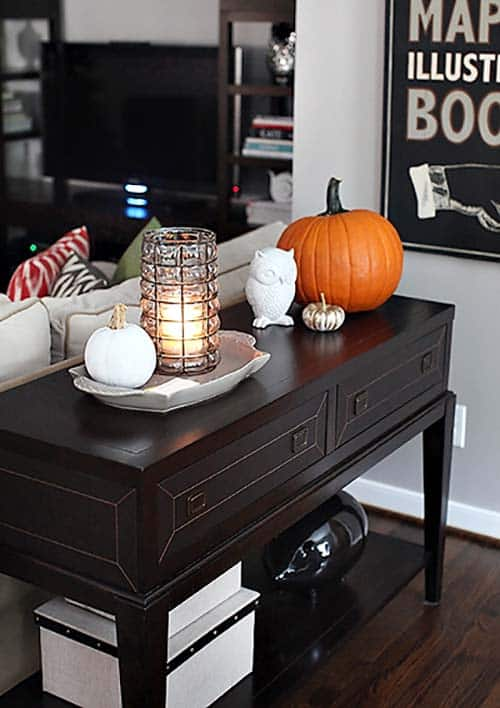 Console-Table-Fall-Decor-Ideas-03-1-Kindesign