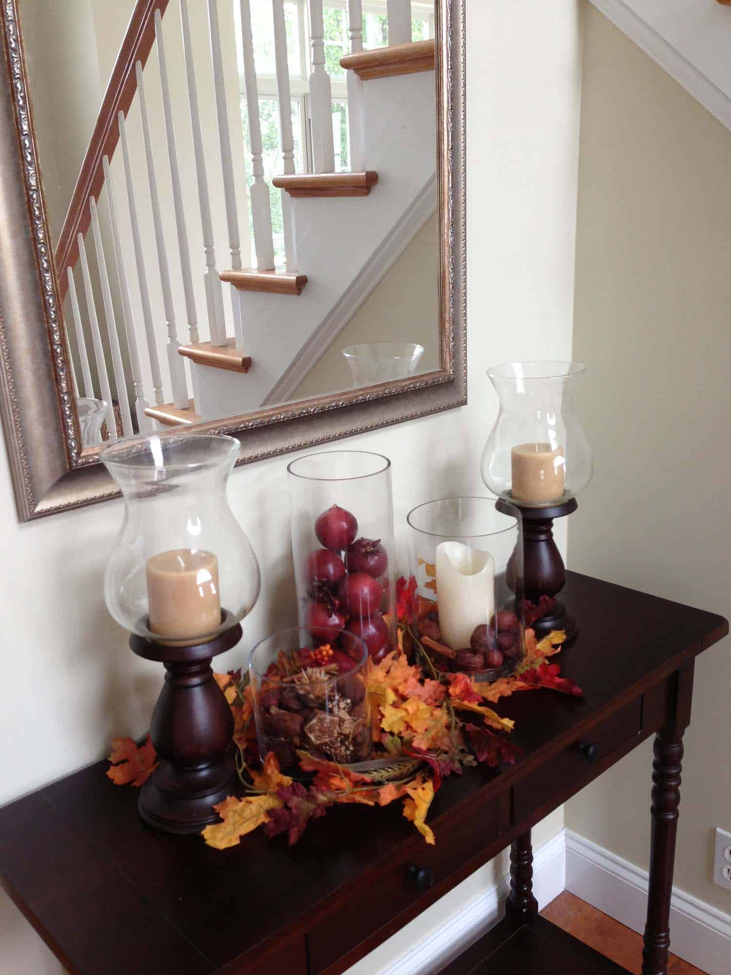 Console-Table-Fall-Decor-Ideas-09-1-Kindesign