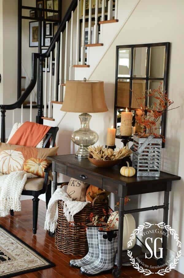 Console-Table-Fall-Decor-Ideas-11-1-Kindesign