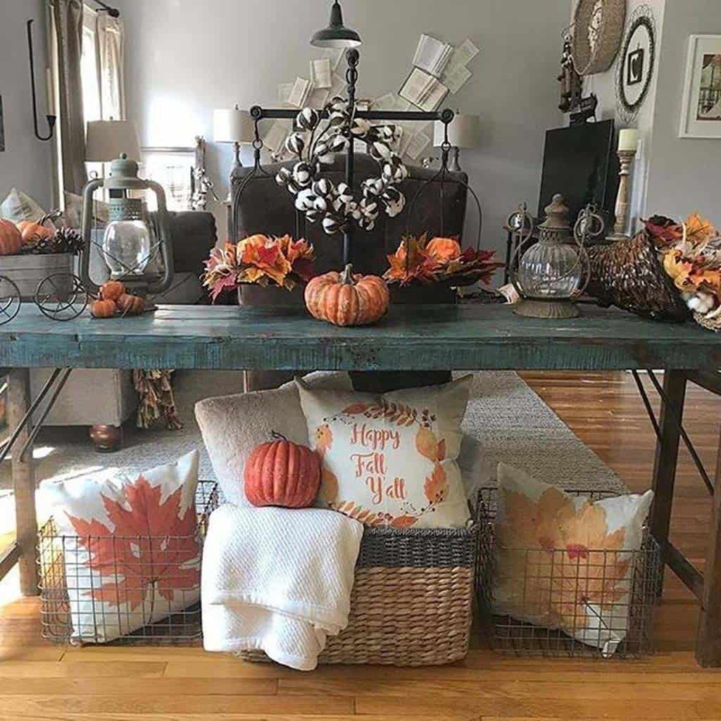 Console-Table-Fall-Decor-Ideas-14-1-Kindesign