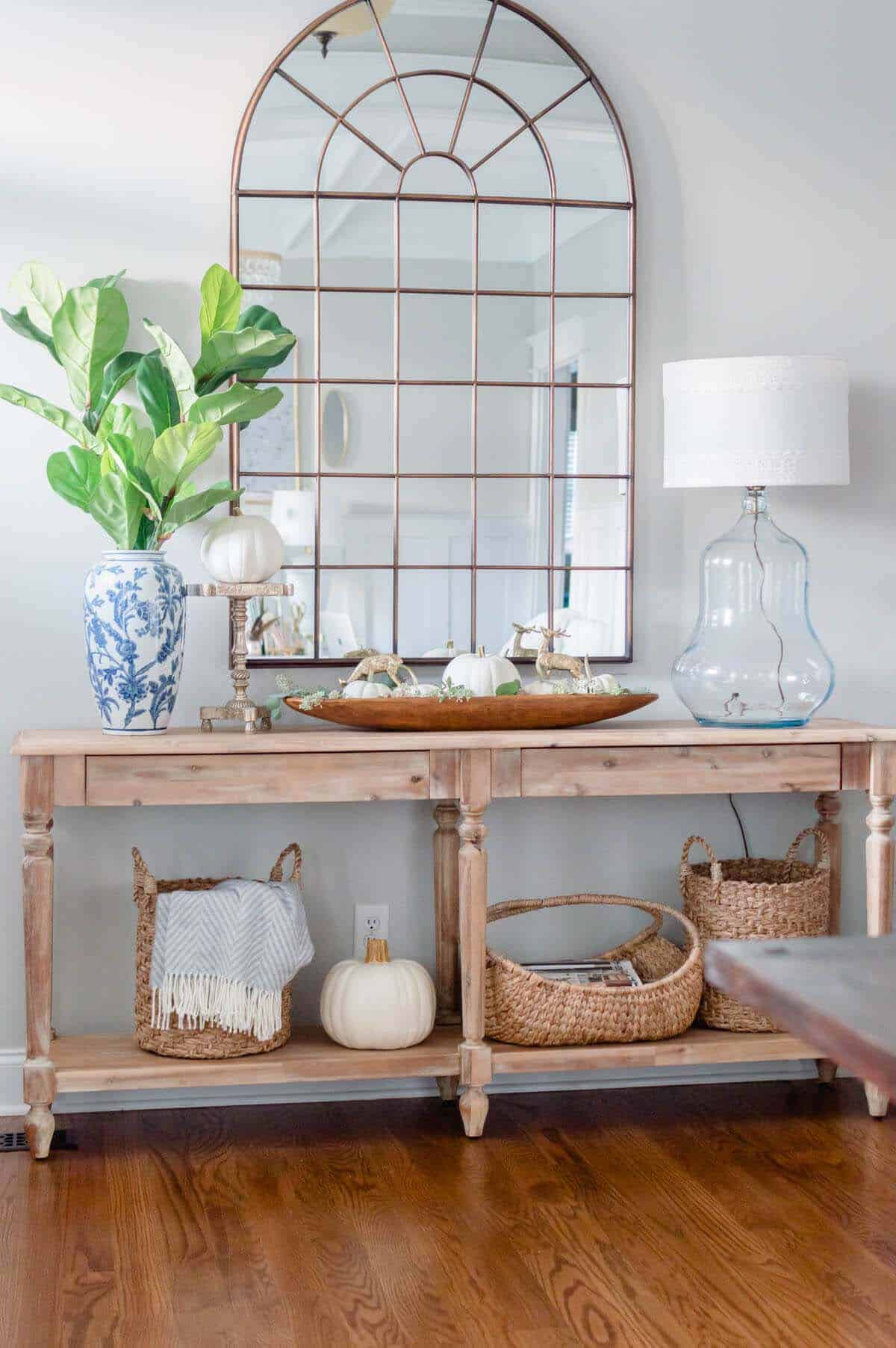 Console-Table-Fall-Decor-Ideas-16-1-Kindesign