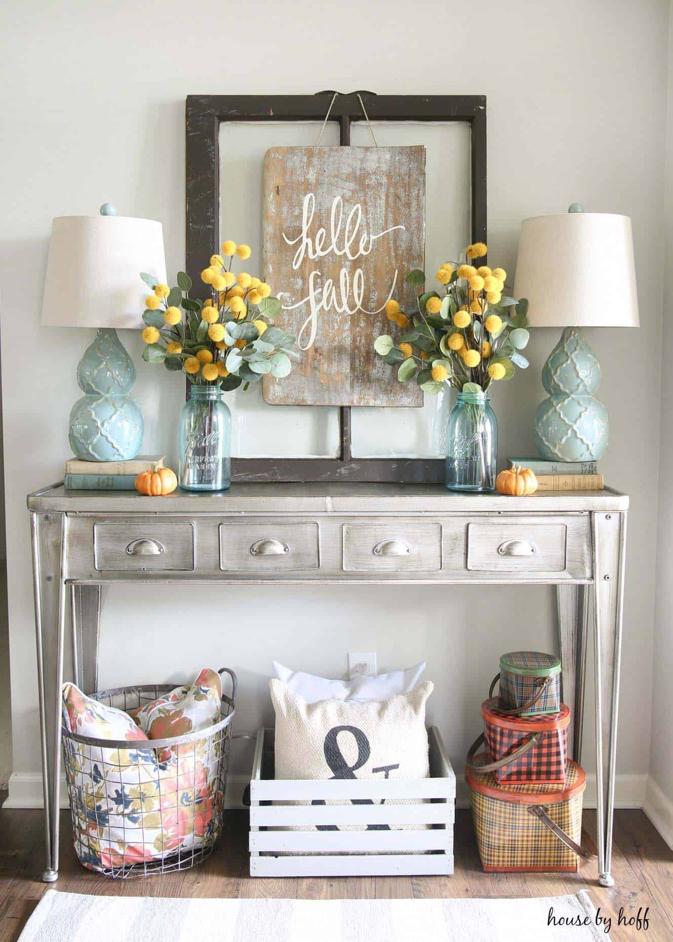 Console-Table-Fall-Decor-Ideas-17-1-Kindesign
