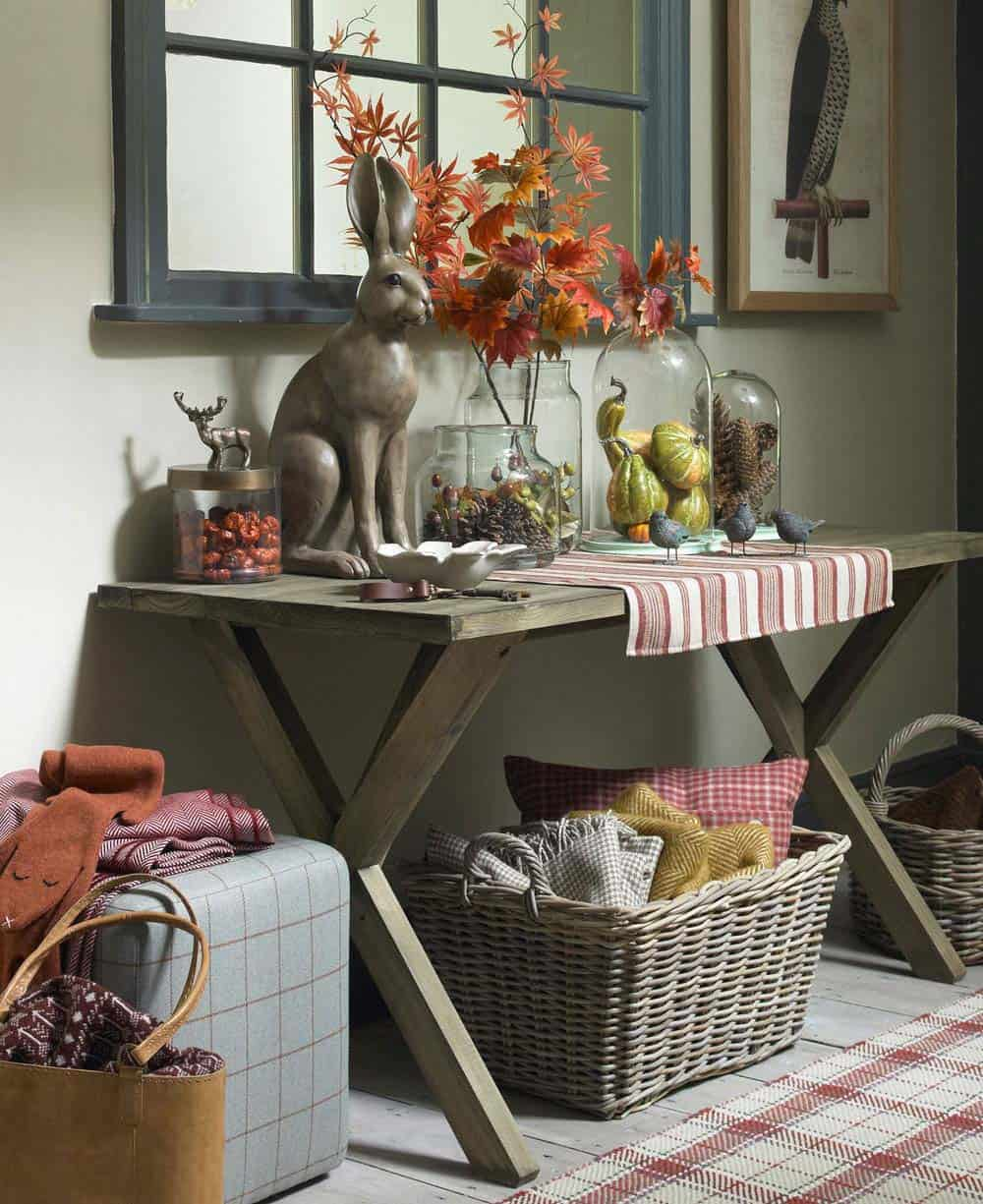 Console-Table-Fall-Decor-Ideas-20-1-Kindesign
