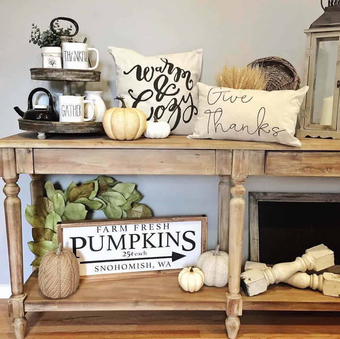 Console-Table-Fall-Decor-Ideas-23-1-Kindesign
