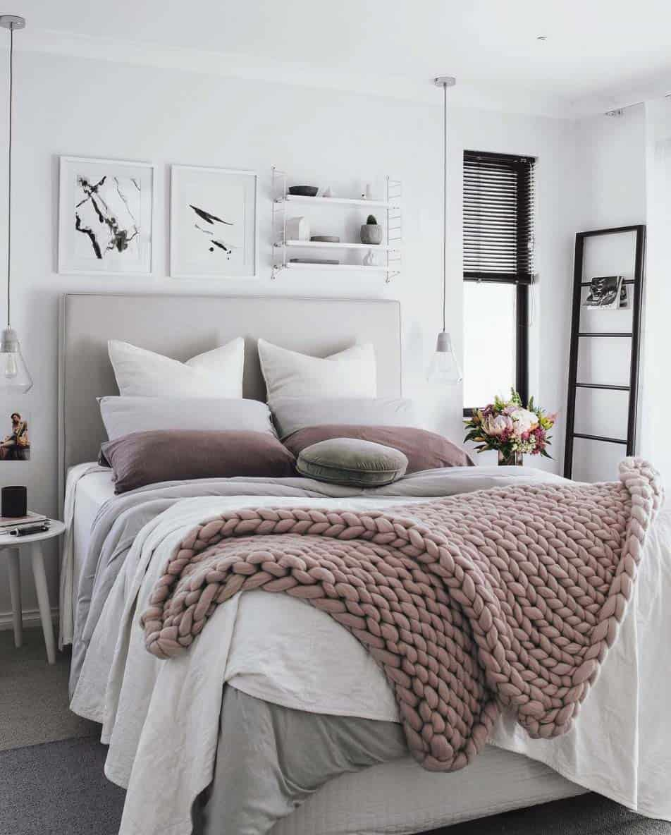 Cozy-Fall-Inspired-Bedrooms-06-1-Kindesign