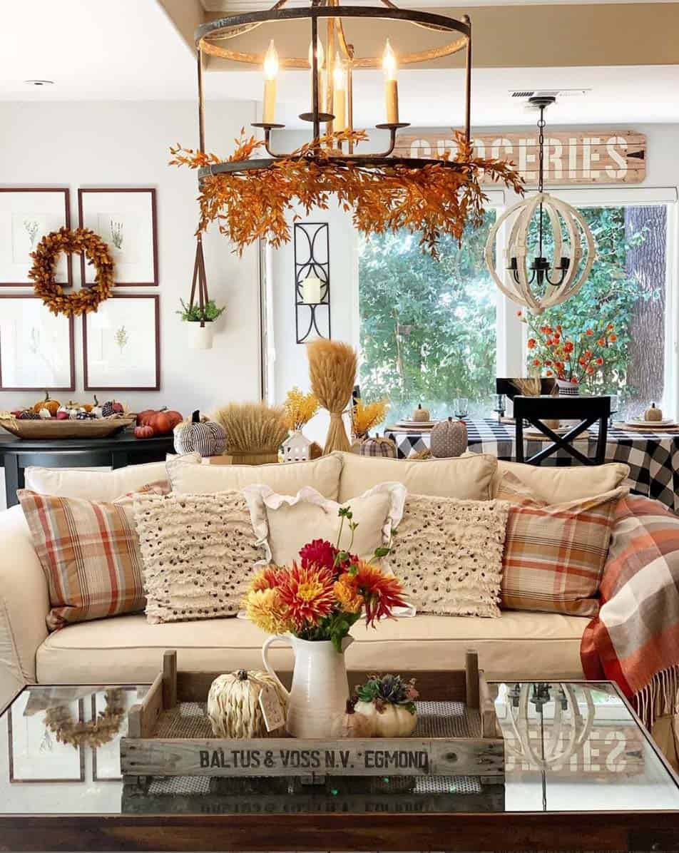 Cozy-Farmhouse-Fall-Decor-Ideas-01-1-Kindesign