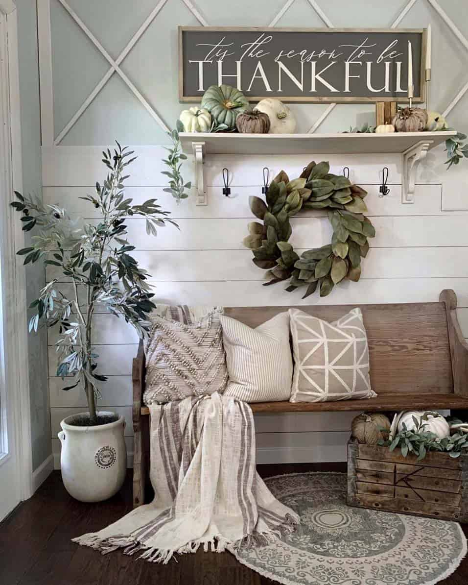 Cozy-Farmhouse-Fall-Decor-Ideas-09-1-Kindesign