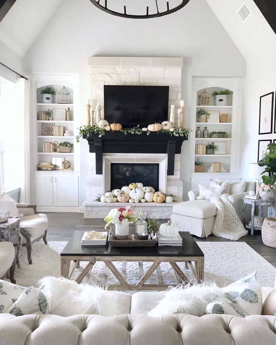 Cozy-Farmhouse-Fall-Decor-Ideas-16-1-Kindesign