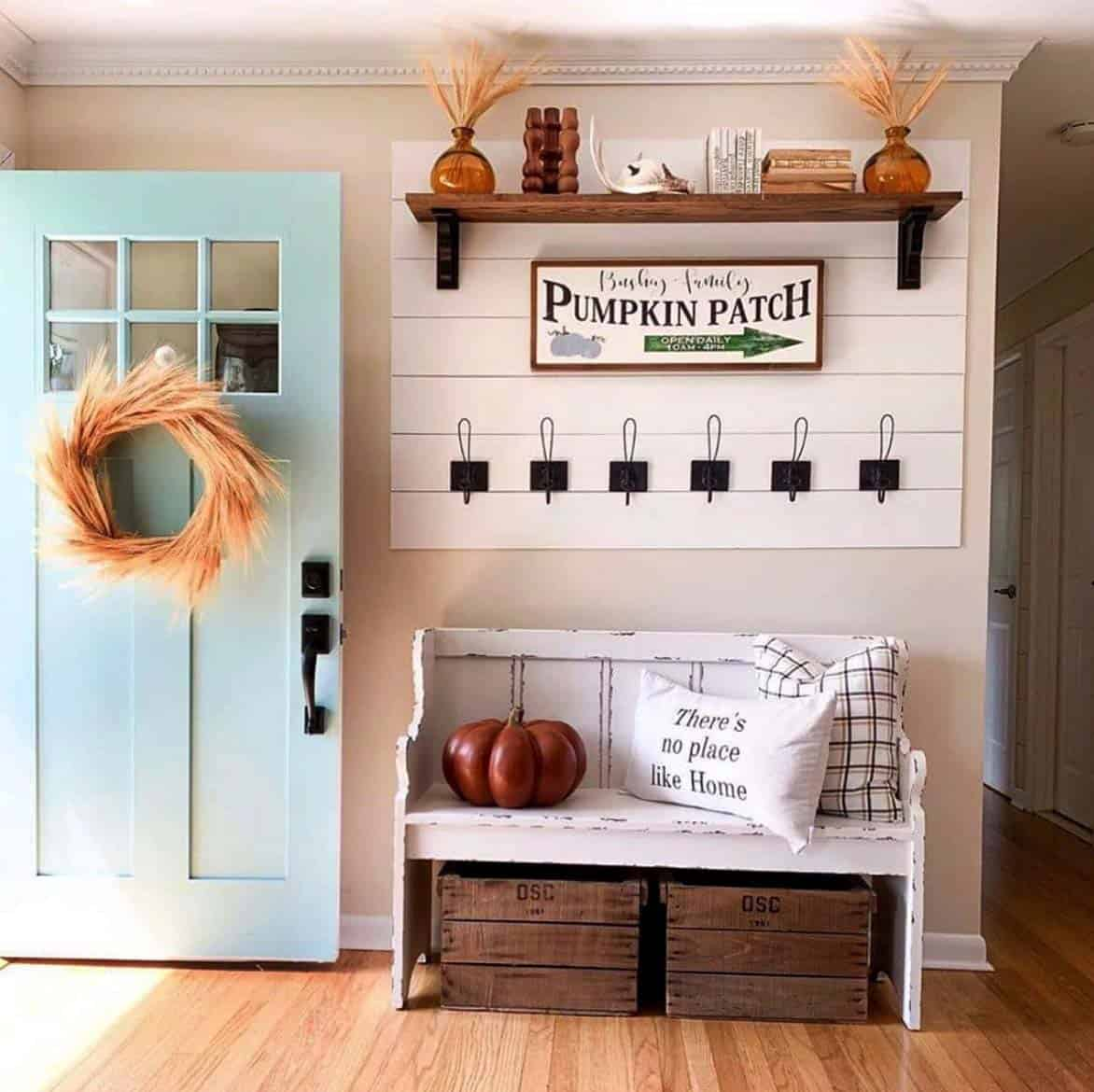 Cozy-Farmhouse-Fall-Decor-Ideas-18-1-Kindesign