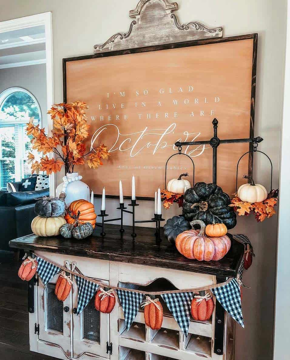 Cozy-Farmhouse-Fall-Decor-Ideas-28-1-Kindesign