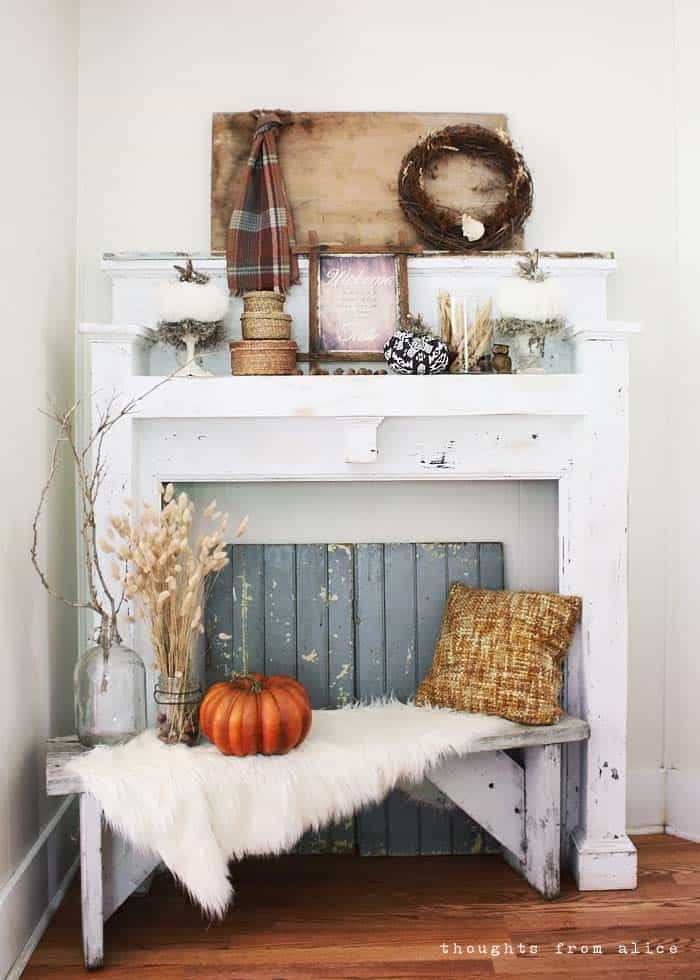 Fall-Decorating-Ideas-Fireplace-Mantel-34-1-Kindesign