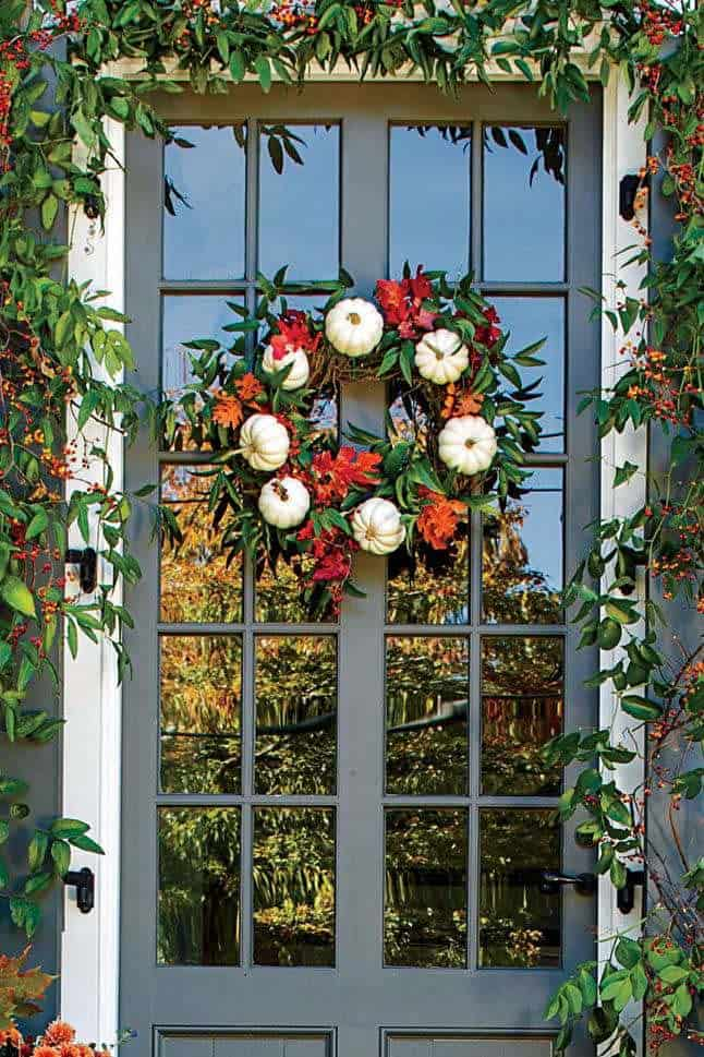 Fall-Front-Door-Decorating-Ideas-03-1-Kindesign