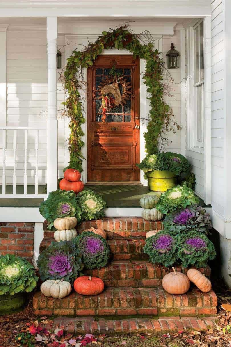 Fall-Front-Door-Decorating-Ideas-07-1-Kindesign
