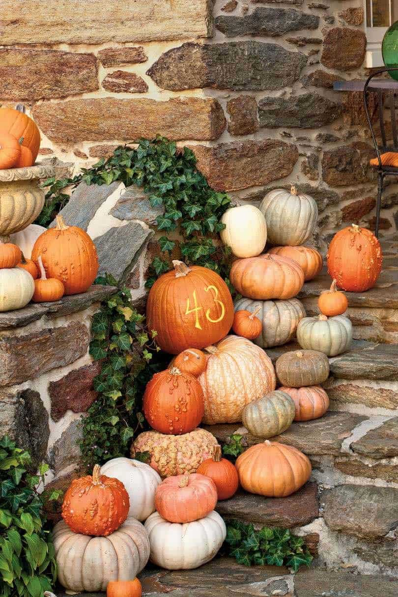 Fall-Front-Door-Decorating-Ideas-08-1-Kindesign