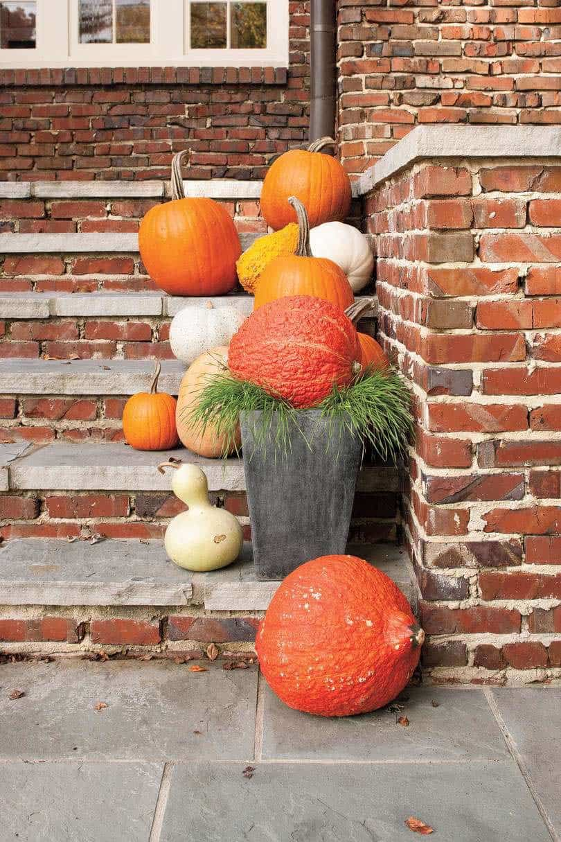Fall-Front-Door-Decorating-Ideas-11-1-Kindesign