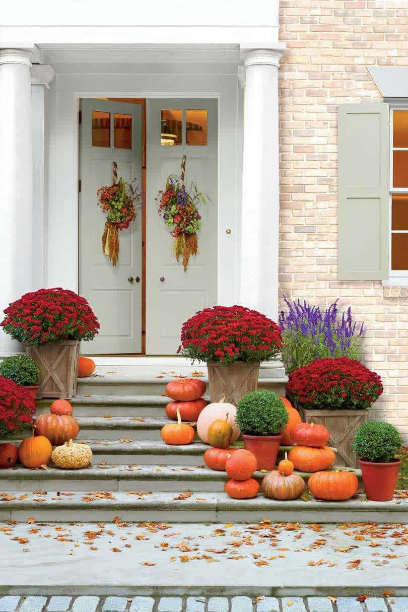 Fall-Front-Door-Decorating-Ideas-12-1-Kindesign