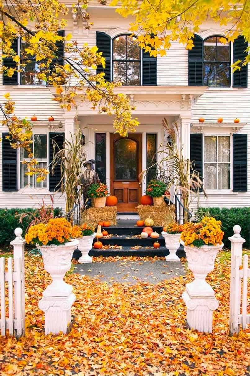 Fall-Front-Door-Decorating-Ideas-15-1-Kindesign