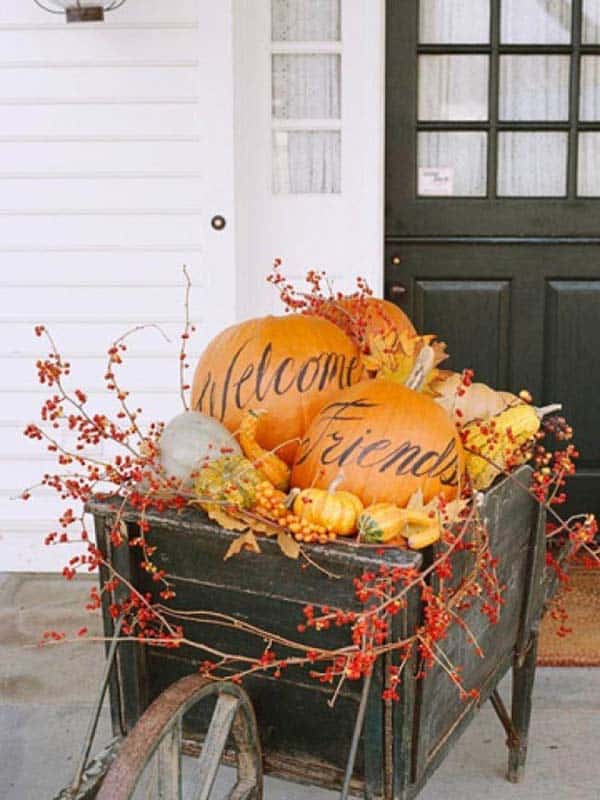 Fall-Front-Door-Decorating-Ideas-18-1-Kindesign