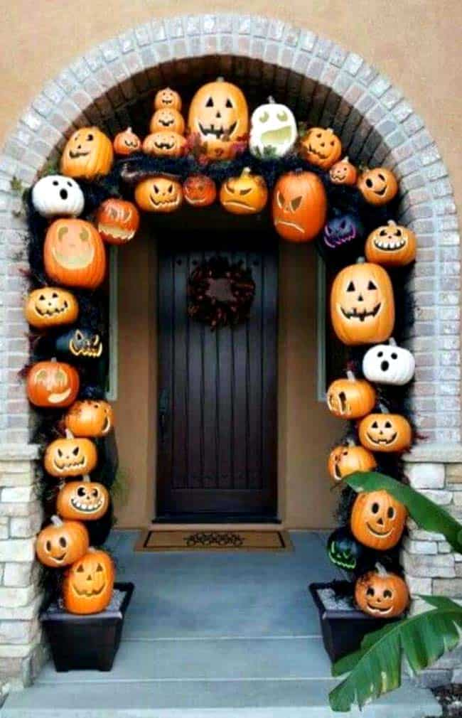 Fall-Front-Door-Decorating-Ideas-22-1-Kindesign