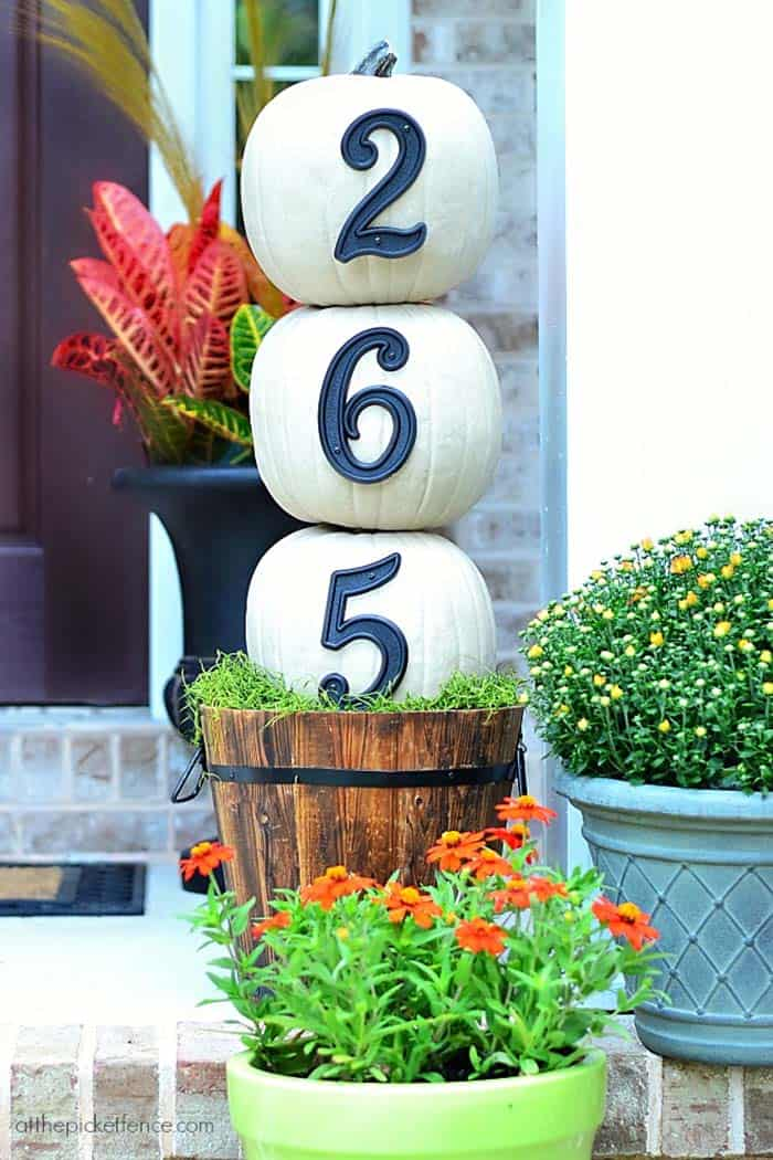Fall-Front-Door-Decorating-Ideas-26-1-Kindesign