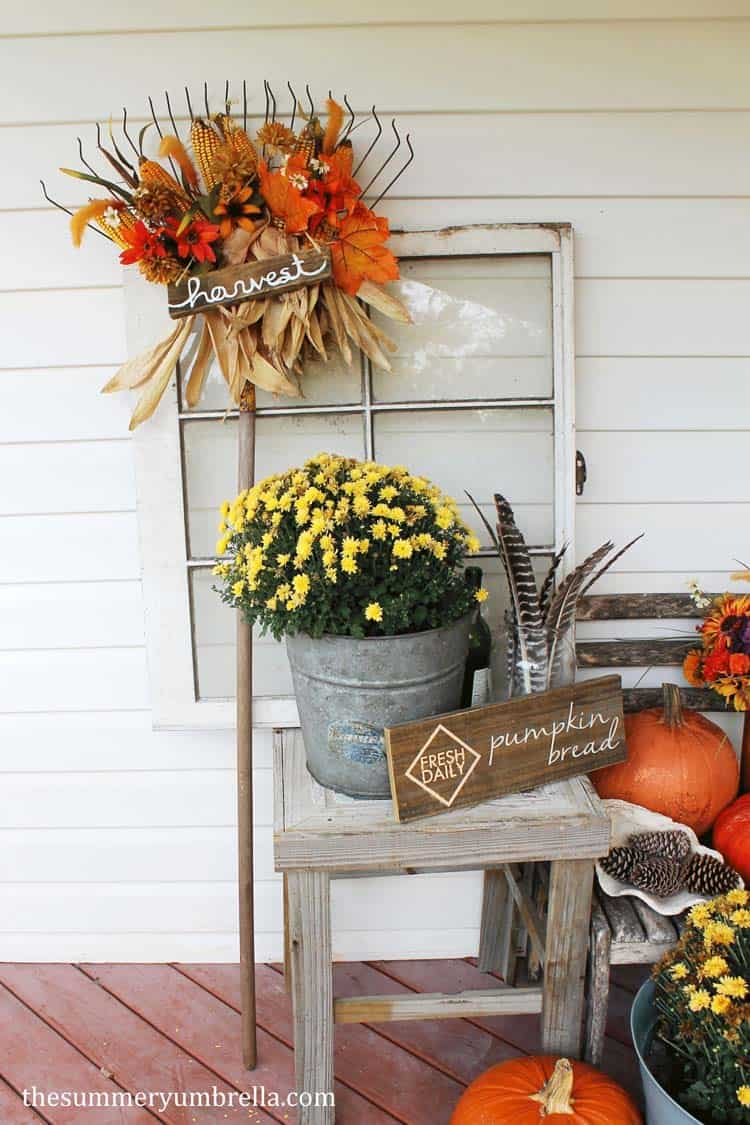 Fall-Front-Door-Decorating-Ideas-27-1-Kindesign