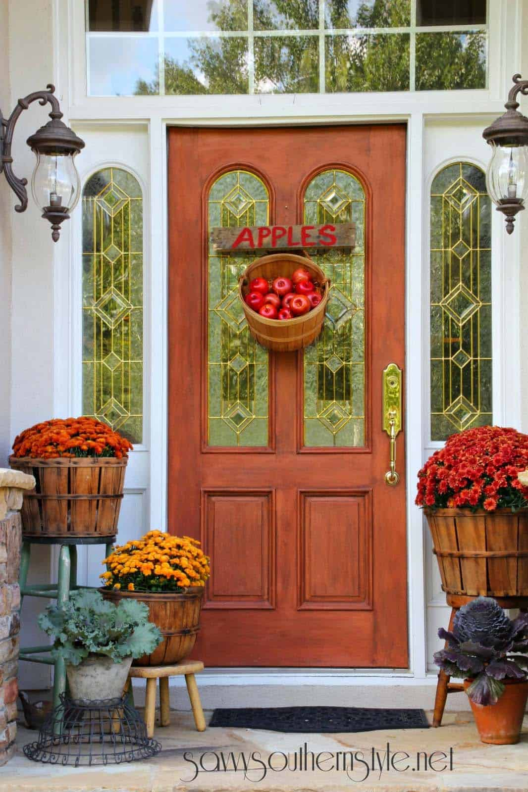 Fall-Front-Door-Decorating-Ideas-40-1-Kindesign