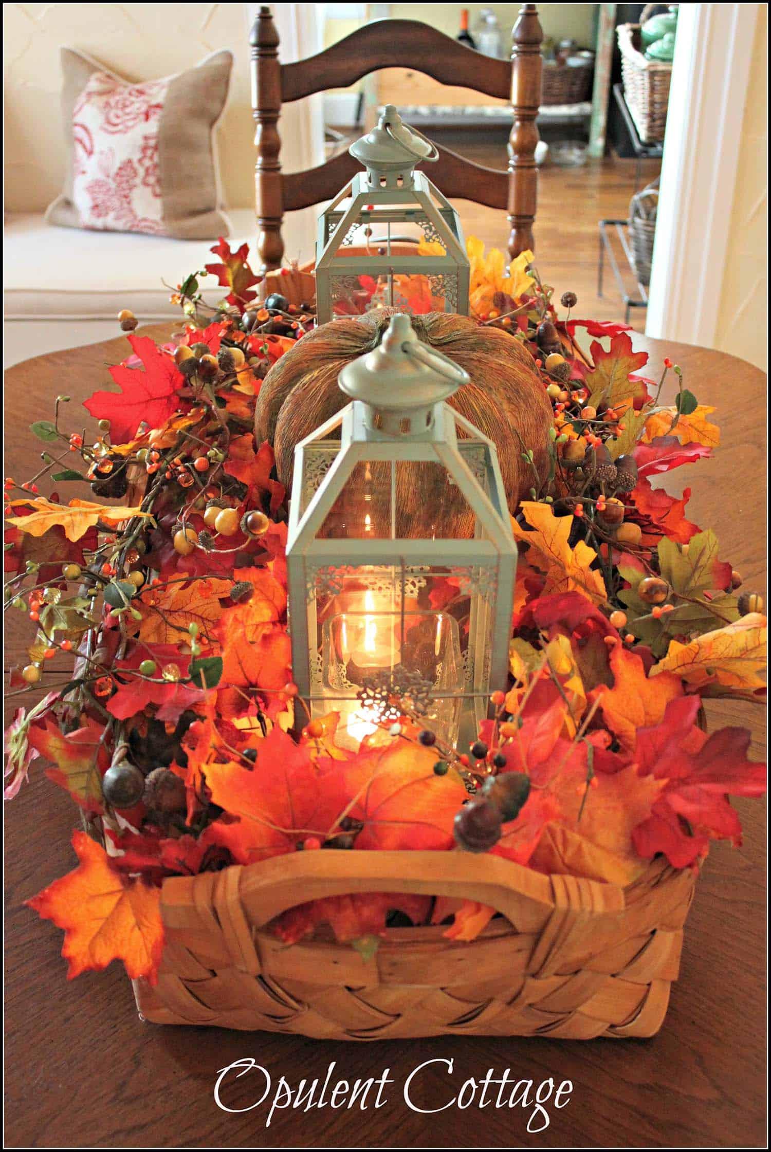 Fall-Lantern-Decorating-Ideas-08-1-Kindesign