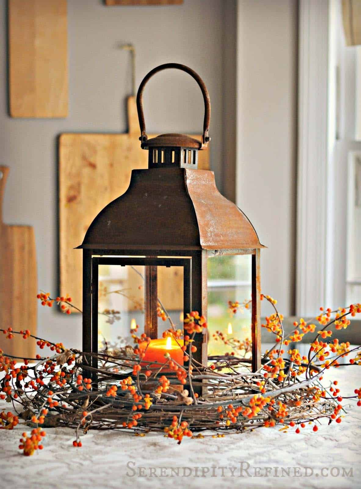 Fall-Lantern-Decorating-Ideas-12-1-Kindesign