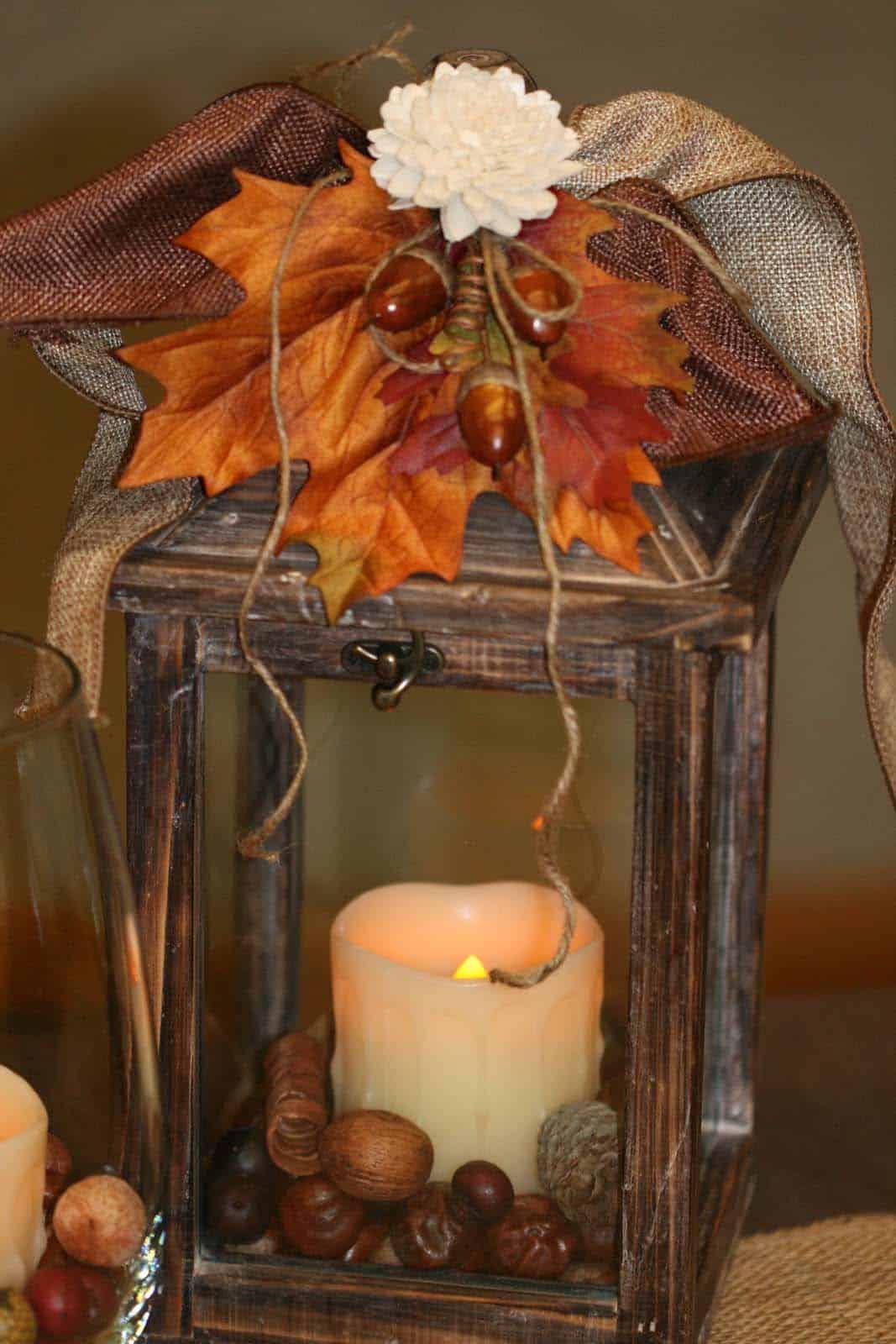 Fall-Lantern-Decorating-Ideas-21-1-Kindesign