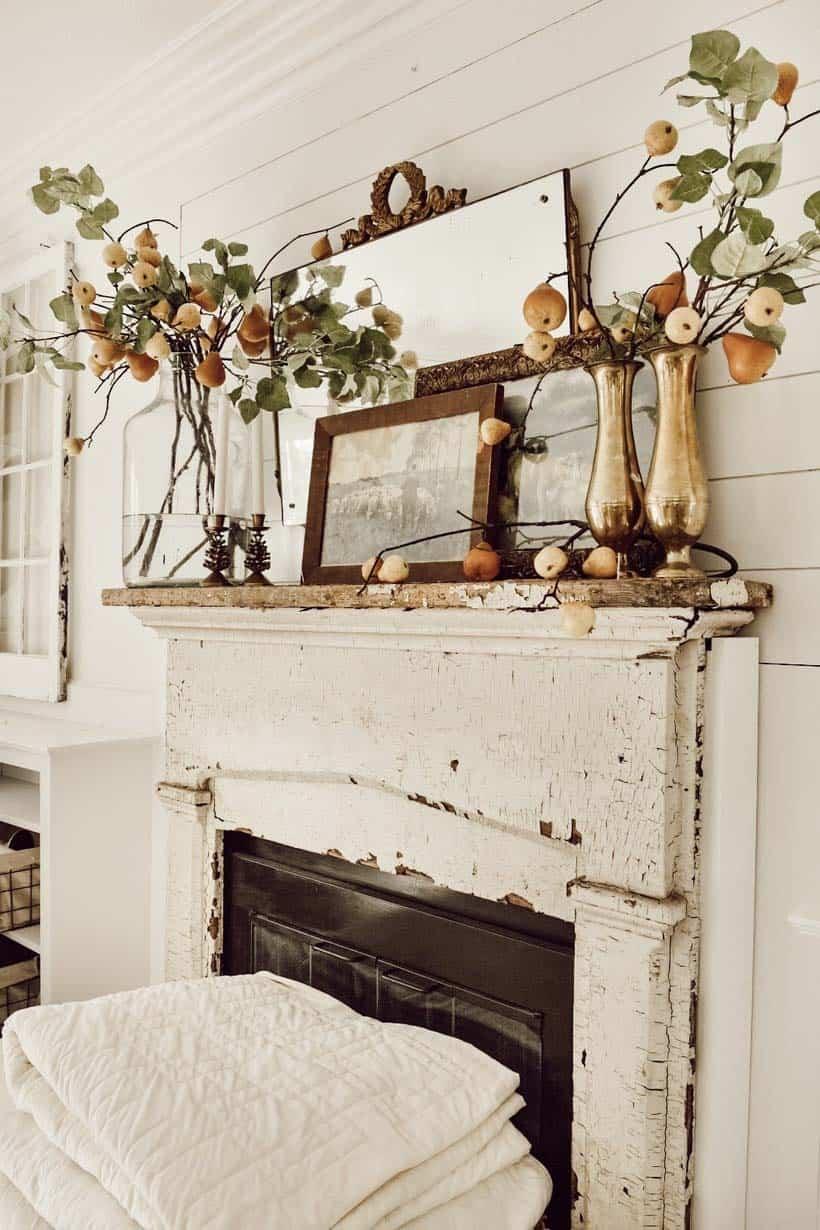 Fall-Mantel-Decorating-Ideas-09-1-Kindesign